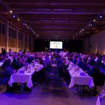 Die Messehalle 21 wurde von GWH Event Engineering in eine Eventlocation verwandelt - mit Bühne, Ton, Licht.