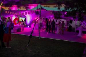 gartenhochzeit-mit-zelt-13